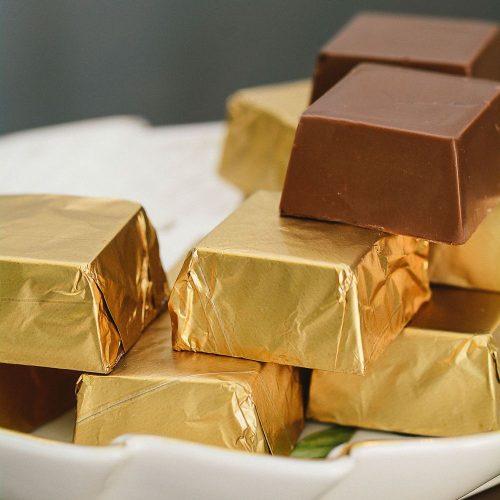 Bombom Bruxinha de Chocolate e Canela